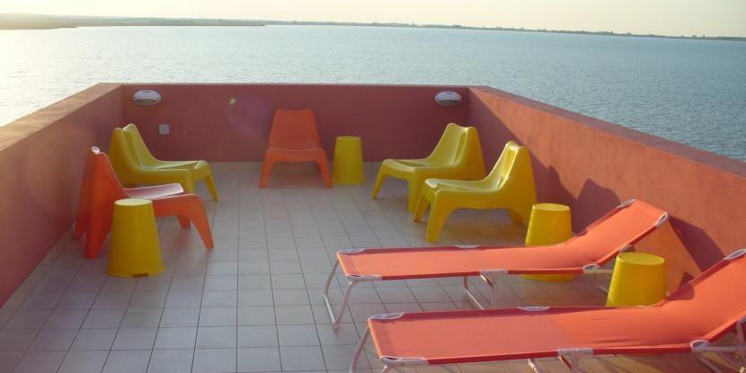 Terrazza sul lago in pieno relax | AeR Lesina - Bed and Breakfast Lesina